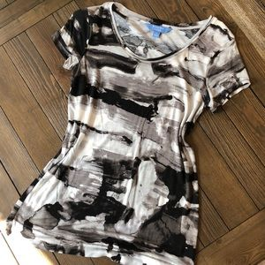 Simply Vera Wang White black and gray long T-shirt